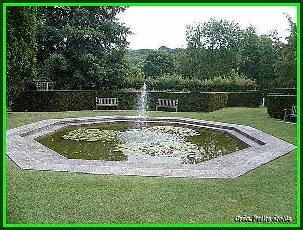 Petit bassin au jet d 39 eau - Petit bassin d eau dijon ...